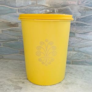 Vintage Tupperware Yellow Small Canister 811-13